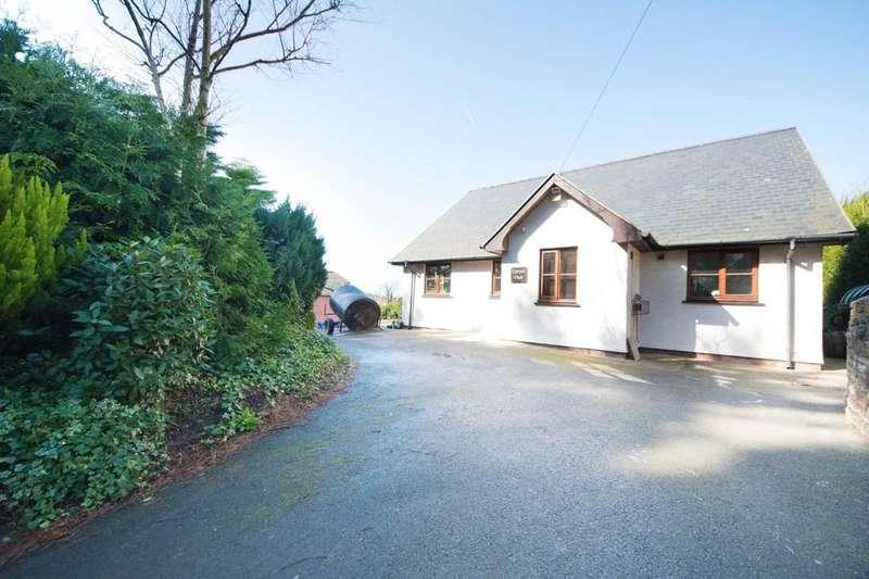 3 Bedrooms Detached Bungalow for sale in Primrose Hill, Llandadarn Fawr