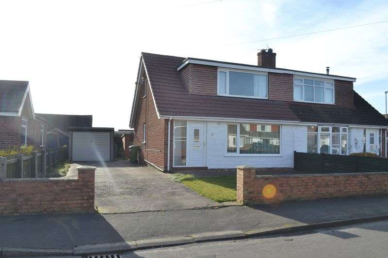 2 Bedrooms Semi Detached Bungalow for sale in Mayflower Close, South Killingholme, Immingham