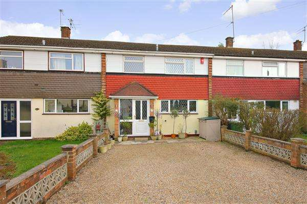 3 Bedrooms Terraced House for sale in Welbeck Close, Borehamwood
