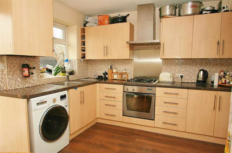 3 Bedrooms Terraced House for sale in Hayes Town