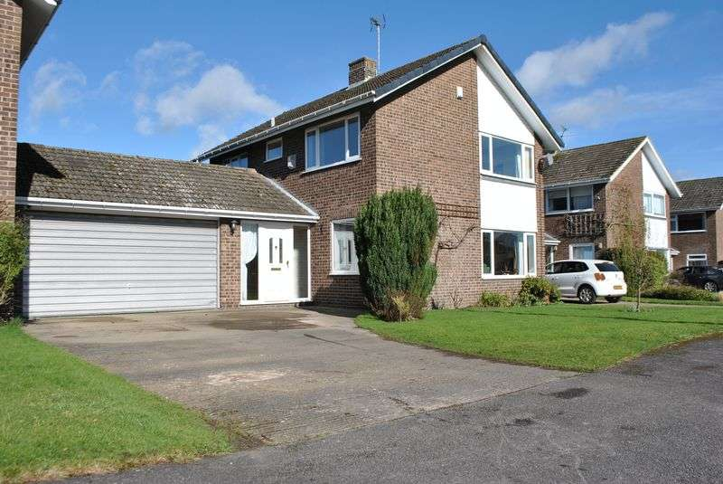 3 Bedrooms Detached House for sale in Derwent Drive, Wheldrake