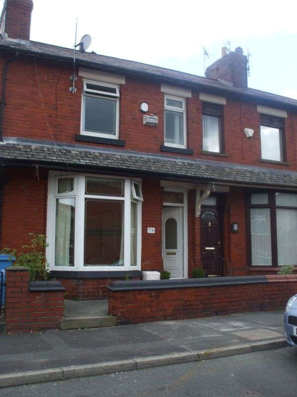 3 Bedrooms Terraced House for sale in Clovelly Avenue, Oldham