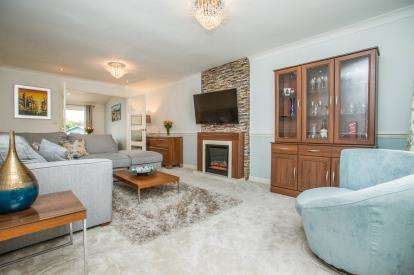 4 Bedrooms Detached House for sale in Malham Way, Knaresborough, North Yorkshire