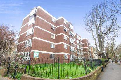 2 Bedrooms Flat for sale in Crowfield House, 125 Highbury New Park, London