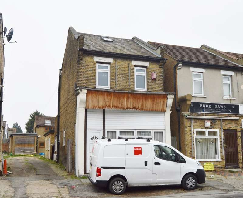 2 Bedrooms Maisonette Flat for sale in Park Lane, Hornchurch, Essex, RM11 1BB