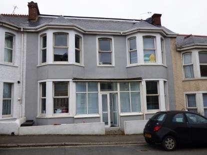 1 Bedroom Flat for sale in Newquay, Cornwall, England
