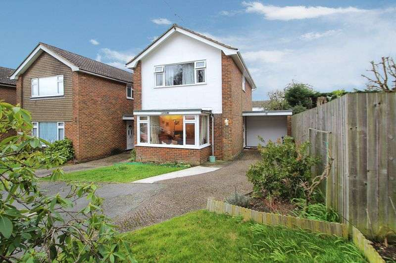 3 Bedrooms Detached House for sale in Hazlemere