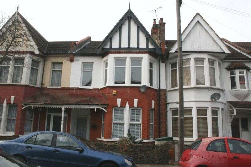 1 Bedroom Flat for sale in Fleetwood Avenue, Westcliff-On-Sea