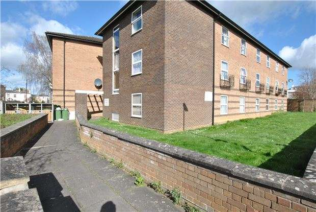 2 Bedrooms Flat for sale in Painswick Road, CHELTENHAM, Gloucestershire, GL50 2HG
