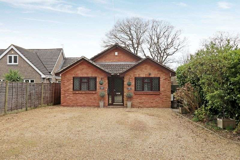 4 Bedrooms Detached Bungalow for sale in Botley Road, Burridge