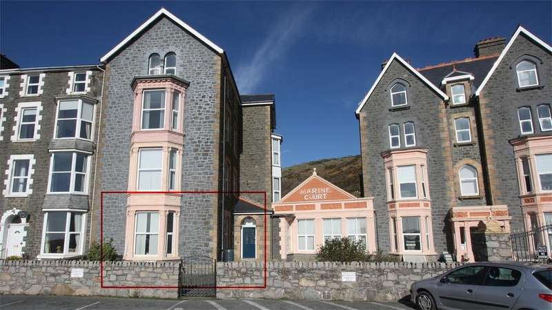 2 Bedrooms Flat for sale in Flat 4, Marine Court, Marine Parade, Barmouth, Gwynedd