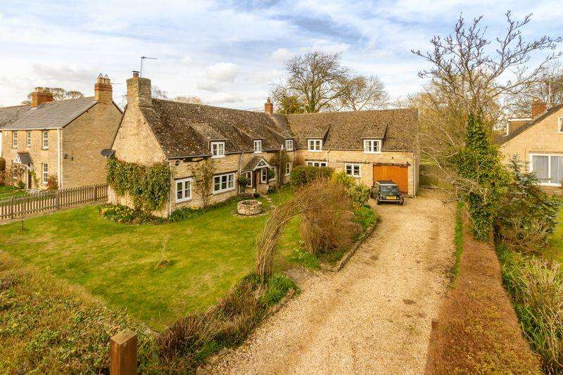 4 Bedrooms Detached House for sale in Rack End, Standlake