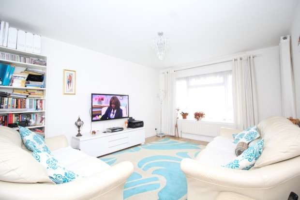 2 Bedrooms Apartment Flat for sale in Chaucer House Aubyn Hill, West Norwood, SE27