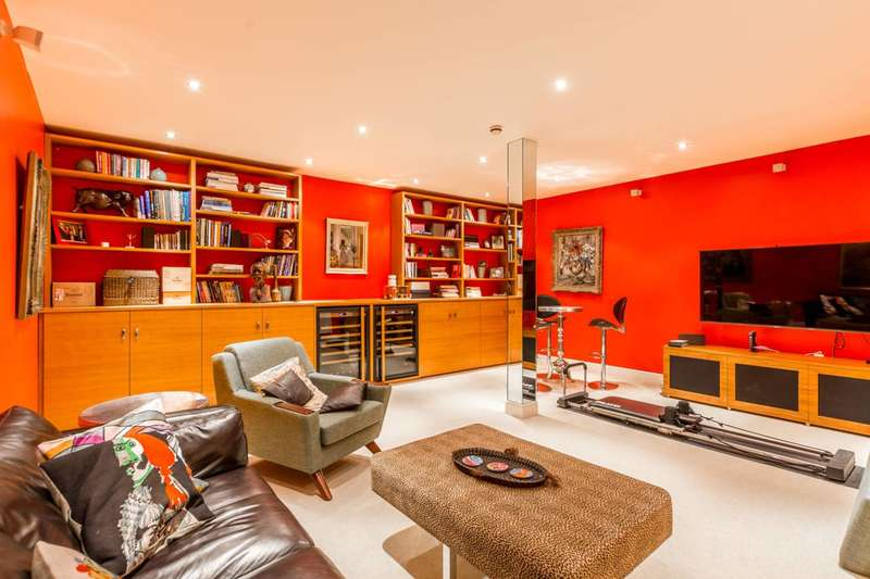 3 Bedrooms Terraced House for sale in Petersham Mews, South Kensington, SW7