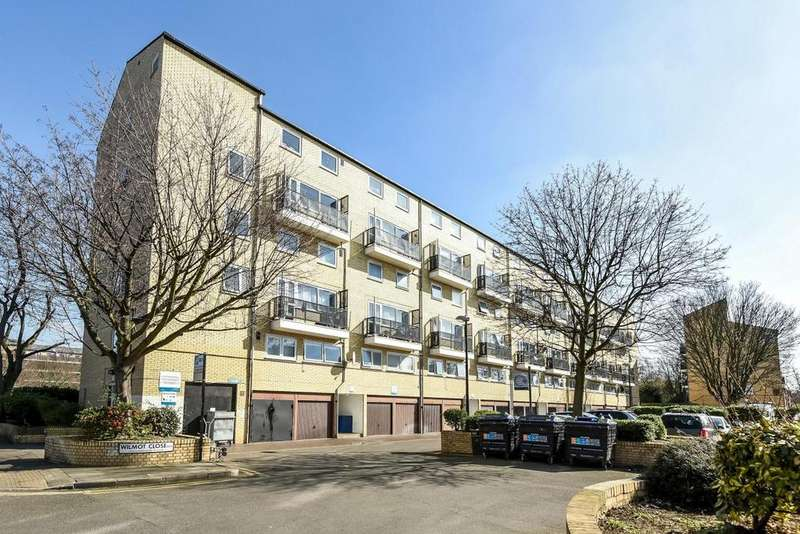 3 Bedrooms Flat for sale in Wilmot Close, Peckham, SE15