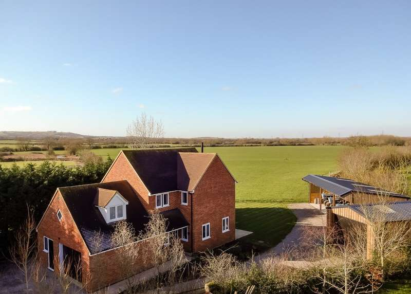 4 Bedrooms Detached House for sale in Bicester Road, Tetchwick