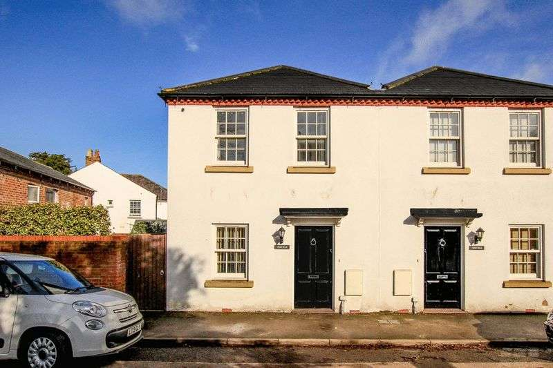 2 Bedrooms House for sale in Park Road, Tring
