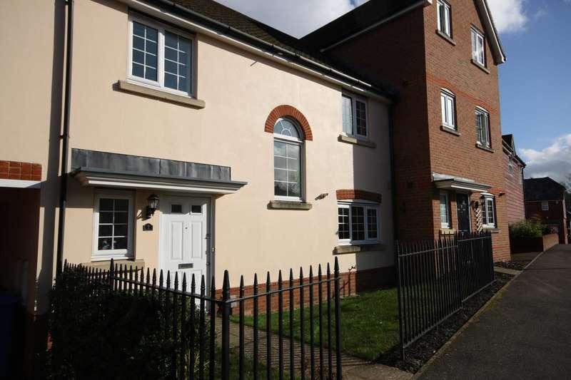 5 Bedrooms House for rent in East Hundreds, Elvetham Heath, Fleet, Hants