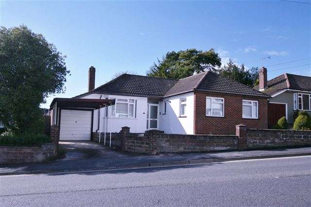 3 Bedrooms Detached Bungalow for sale in Farlington Avenue, Portsmouth, Hampshire, PO6 1ER