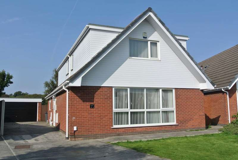 4 Bedrooms House for sale in Avondale Crescent, Blackpool, FY4 5AS