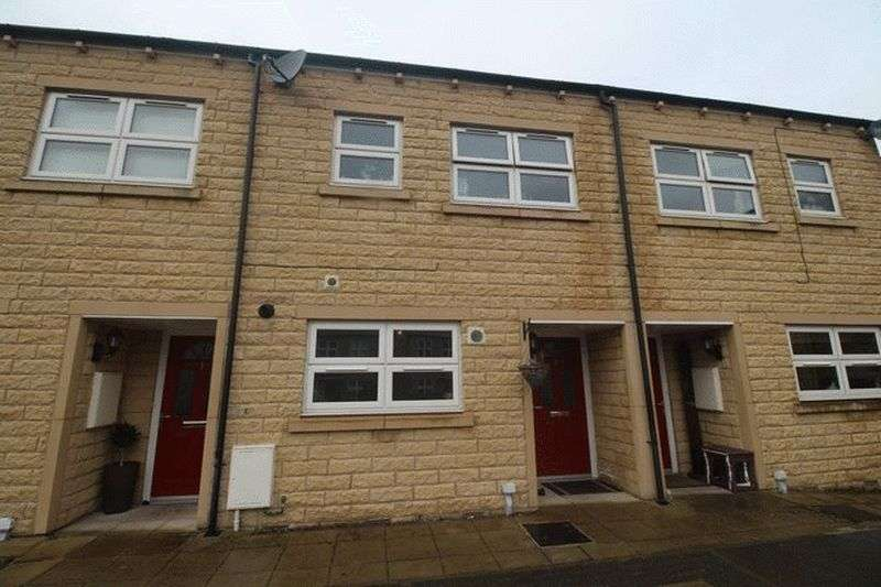 3 Bedrooms Terraced House for sale in Hirstwood, Ripponden