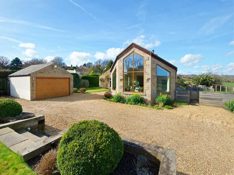 5 Bedrooms Detached Bungalow for sale in Old Hall Road