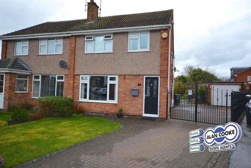 3 Bedrooms Semi Detached House for sale in Longwood Crescent, Alwoodley