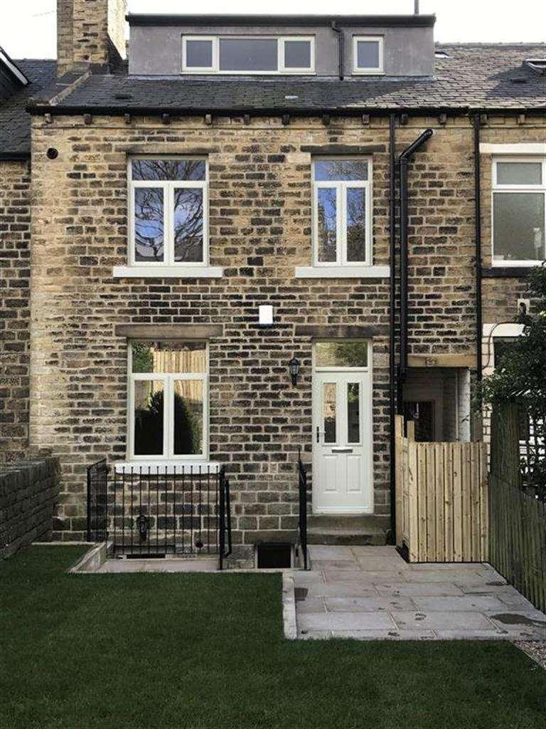 3 Bedrooms Terraced House for sale in Grasscroft Road, Marsh, Huddersfield, HD1