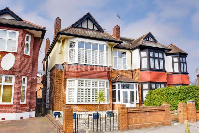 4 Bedrooms Semi Detached House for sale in Lake House Road, Wanstead