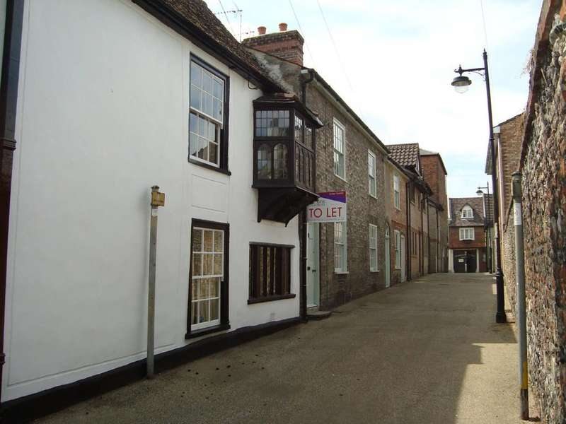 2 Bedrooms Terraced House for sale in College Lane, Bury St Edmunds