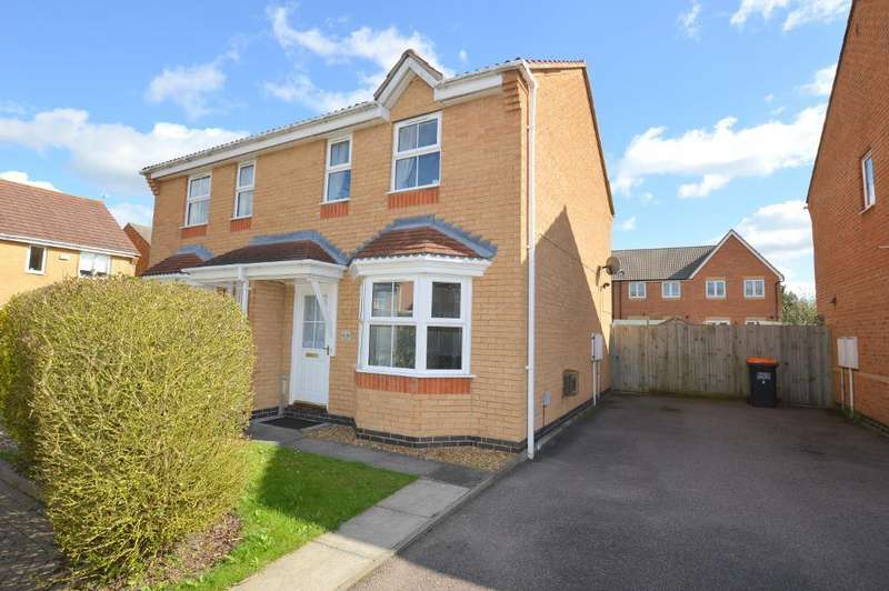 2 Bedrooms Semi Detached House for sale in Longcroft Drive, Barton-Le-Clay, MK45 4SF