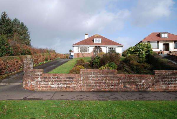 3 Bedrooms Detached Bungalow for sale in Glebeknowe, 120 Loudoun Road, Newmilns, KA16 9HH