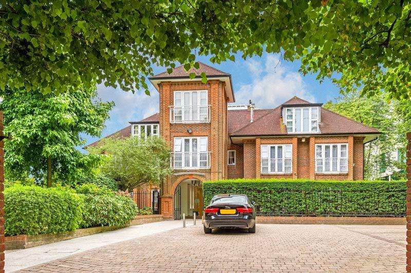 1 Bedroom Flat for sale in West Heath Road, London, NW3
