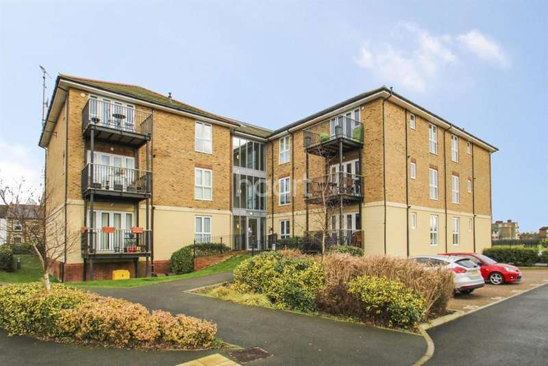 1 Bedroom Flat for sale in St Catherines Close , SW20