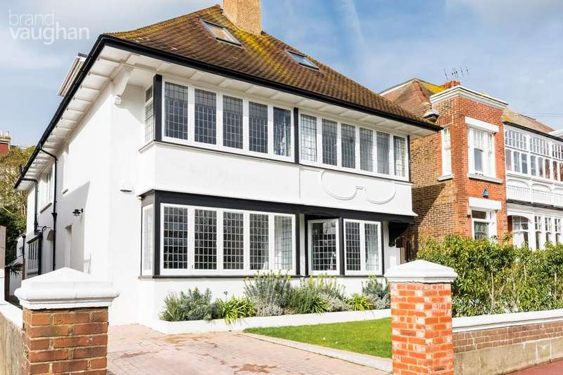 6 Bedrooms Detached House for sale in West Drive, Brighton, BN2