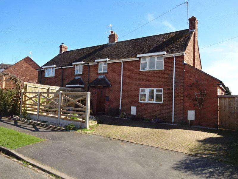 3 Bedrooms Semi Detached House for sale in Knight Road, Wolverley DY11 5UD