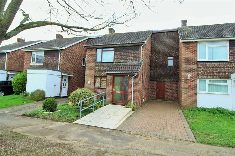 3 Bedrooms Terraced House for sale in Durham Square, Colchester