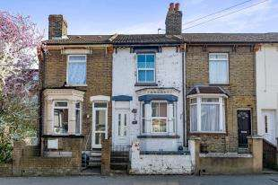 3 Bedrooms Terraced House for sale in Richmond Road, Gillingham, Kent, .