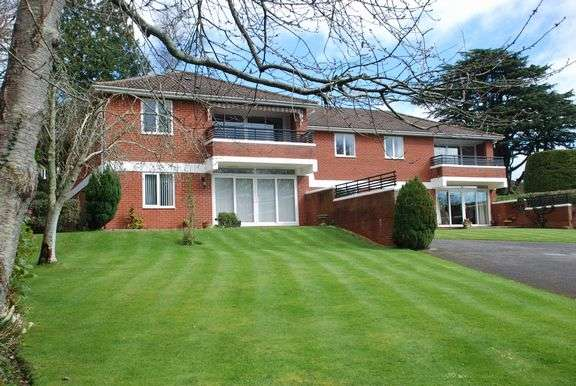 3 Bedrooms Flat for sale in Bickwell Valley, Sidmouth