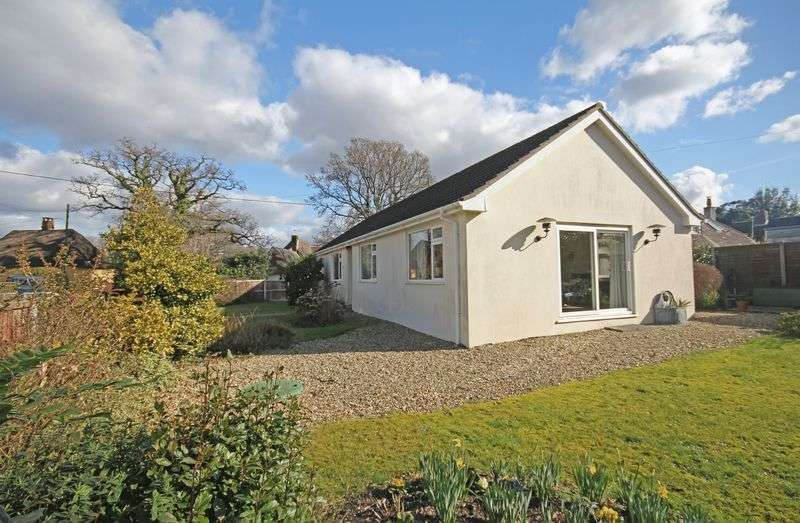 3 Bedrooms Detached Bungalow for sale in Hyde, Fordingbridge
