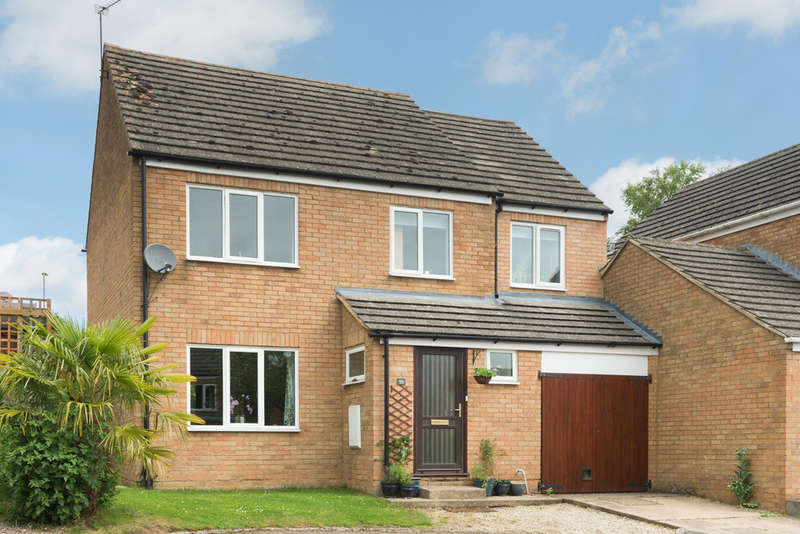 4 Bedrooms Detached House for sale in Middle Barton, Oxfordshire
