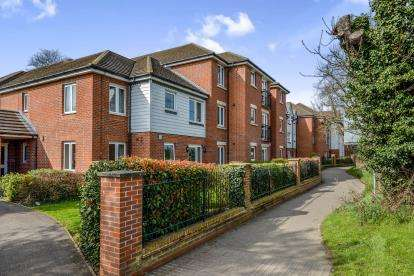 1 Bedroom Retirement Property for sale in 35 Ashingdon Road, Rochford, Essex