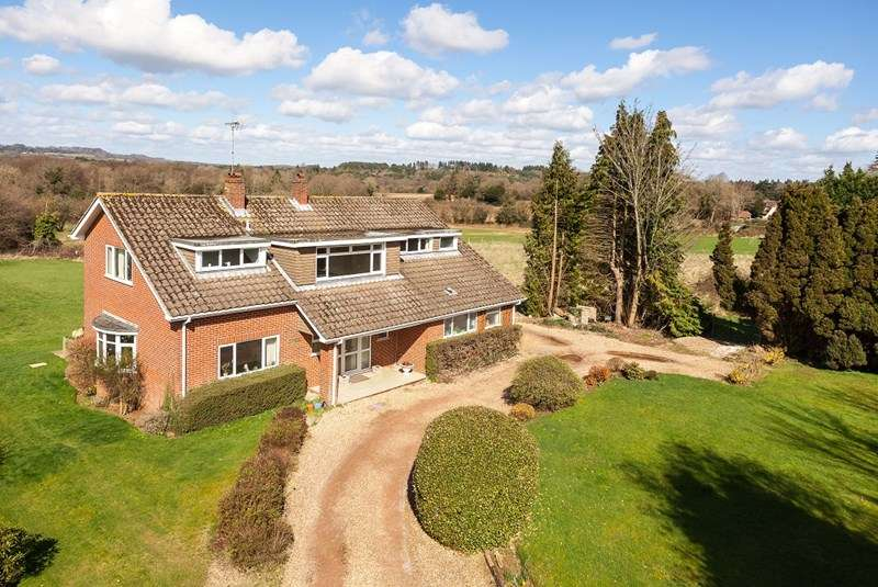 3 Bedrooms Detached House for sale in Rake Road, Liss