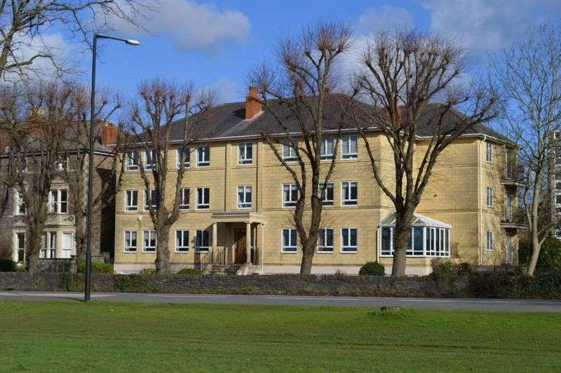 2 Bedrooms Flat for sale in Westbury Road, Durdham Park