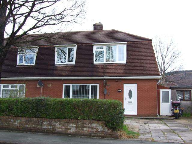 4 Bedrooms Semi Detached House for sale in Vivian Park Drive, Sandfields