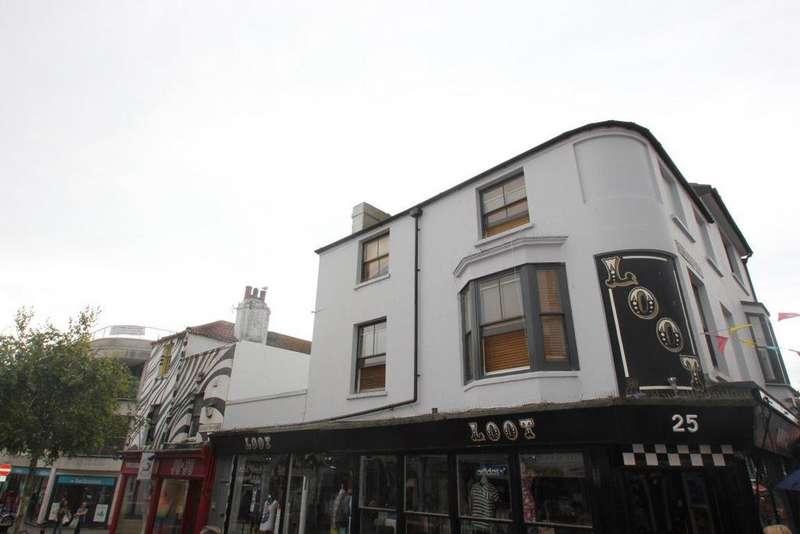 2 Bedrooms Maisonette Flat for rent in Gloucester Road, Brighton