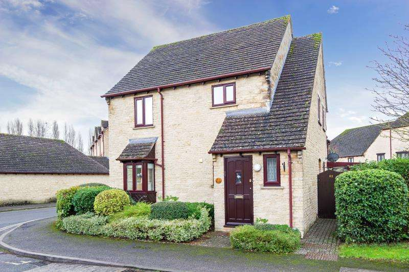1 Bedroom Apartment Flat for sale in Langdale Gate, Witney, Oxfordshire