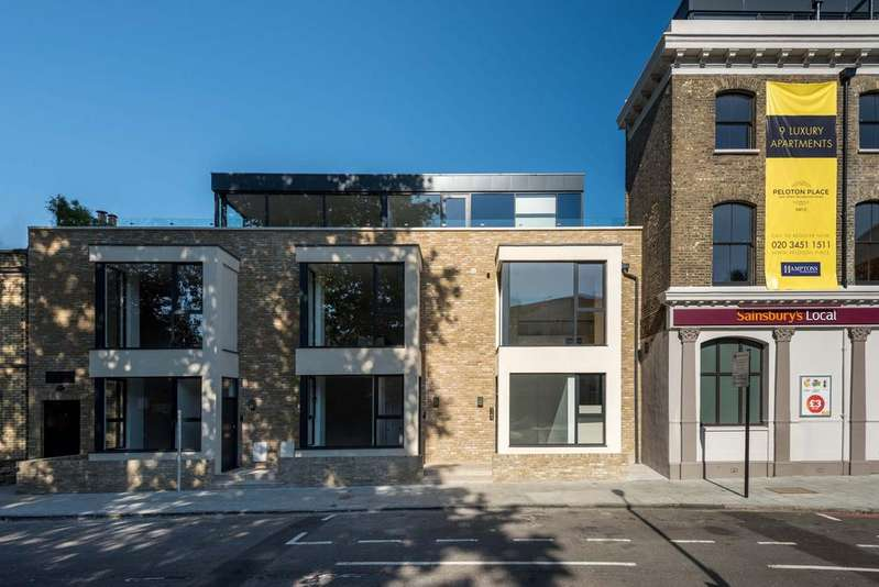 2 Bedrooms Flat for sale in Dyers Lane, SW15