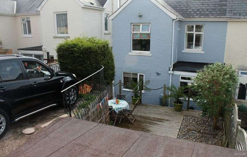 4 Bedrooms Detached House for sale in Willoughby Road,