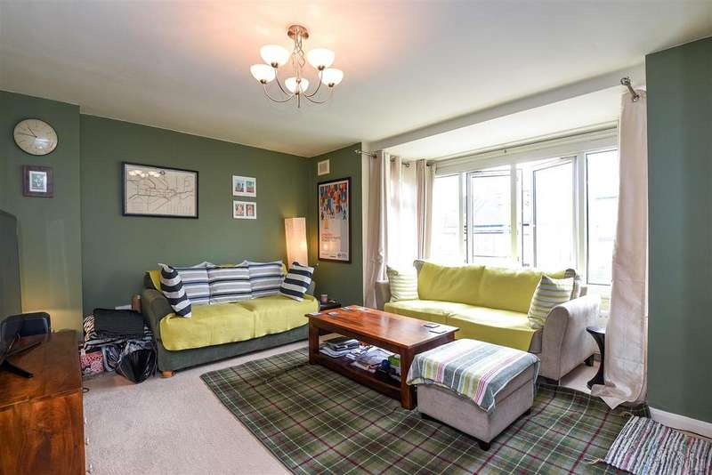 2 Bedrooms Flat for sale in Hilldown Road, Streatham, SW16